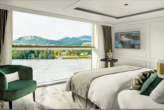 S1 , S2 : Deluxe Suite with Panoramic Balcony-Window